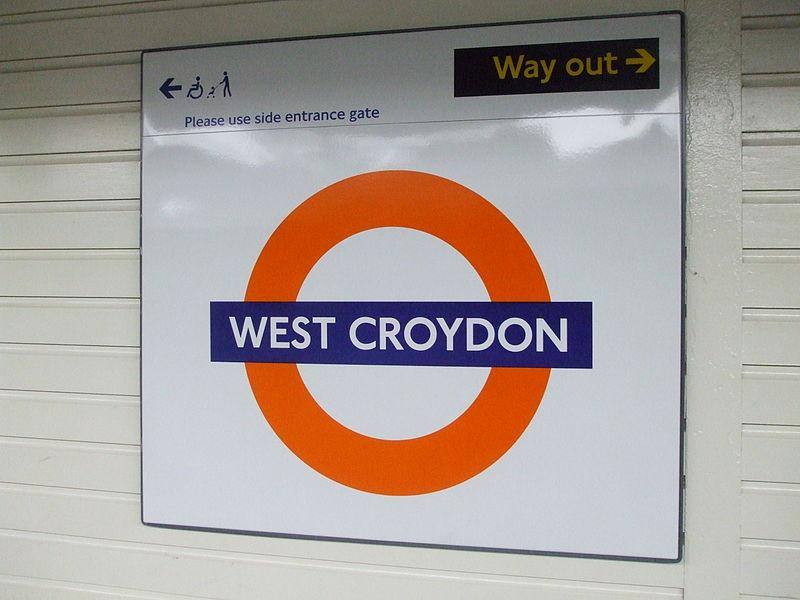 File:West Croydon stn roundel.JPG