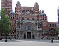 Westminster.cathedral.frontview.london.arp.jpg