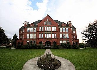 Eaton Hall (Oregon) - The north side of Eaton Hall
