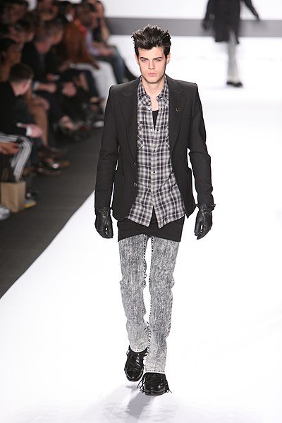 File:William Rast fashion show for New York Fashion Week.jpg