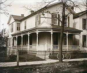 Wright brothers - Wright brothers' home at 7 Hawthorn Street, Dayton about 1900. Wilbur and Orville built the covered wrap-around porch in the 1890s.