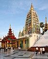 Yangon-Shwedagon-470-indischer Stupa-gje.jpg