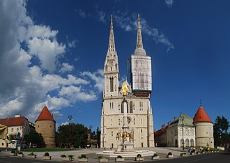 Zagreb Cathedral - Image: Zagreb Cathedral with cloudy sky