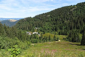Zastler Loch - The bottom of the Zastler Loch. Centre: the Zastler Hut