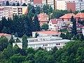 Zbraslav, ZŠ Nad parkem, ze Závisti.jpg