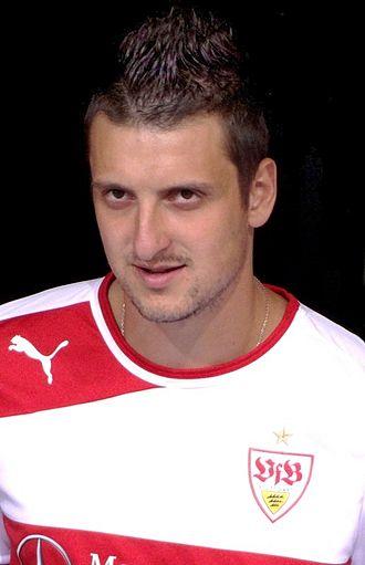Zdravko Kuzmanović - Kuzmanović with VfB Stuttgart in 2011