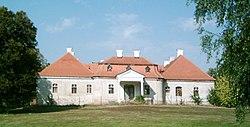 Zselíz-Schubert park-manor.jpg