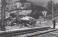 Éboulement de 1977 maison détruite devant la voie ferrée .jpg