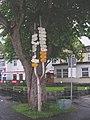 Špindlerův Mlýn, rozcestník na náměstí (01).jpg