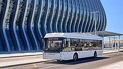 Троллейбус в аэропорту Симферополя.jpg