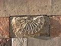 Արևային ժամացույց Կաթողիկե եկեղեցու պատին.JPG