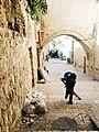 בעיר עתיקה-רוקסי יאנושקו.jpg