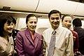นายกรัฐมนตรี และคณะ เดินทางกลับหลังจากเข้าร่วมการประชุ - Flickr - Abhisit Vejjajiva (10).jpg