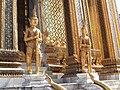วัดพระศรีรัตนศาสดาราม Temple of The Emerald Buddha (3).jpg