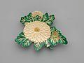 乾山様式 菊形皿-Kenzan-style Dish in the Shape of Chrysanthemum MET DP269569.jpg