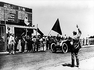 1906 French Grand Prix - Ferenc Szisz crosses the finish line at the end of the race