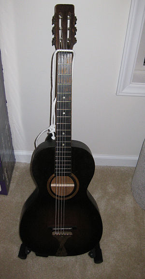 Stella (guitar) - Stella parlour guitar in 1930s