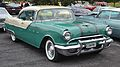1955 Pontiac Starchief (15041199863).jpg
