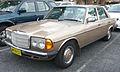 1979-1982 Mercedes-Benz 300 D (W123) sedan 01.jpg