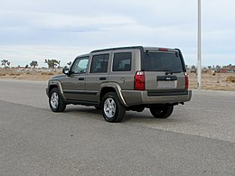 2005 Jeep Commander -- NHTSA 02.jpg
