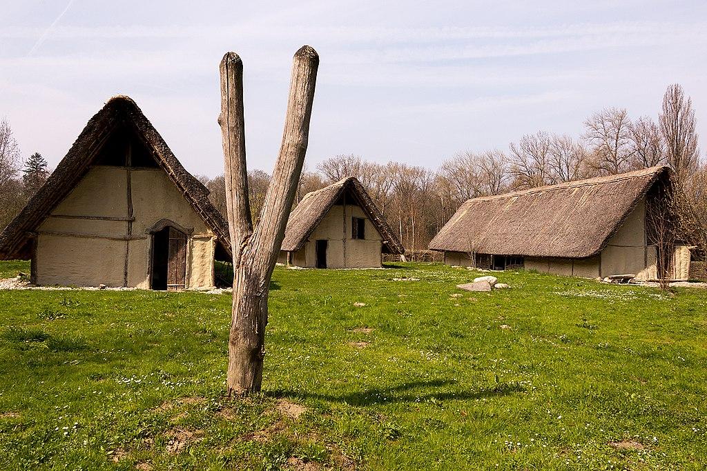 2006-Gletterens-Pfahlbauerhaeuser