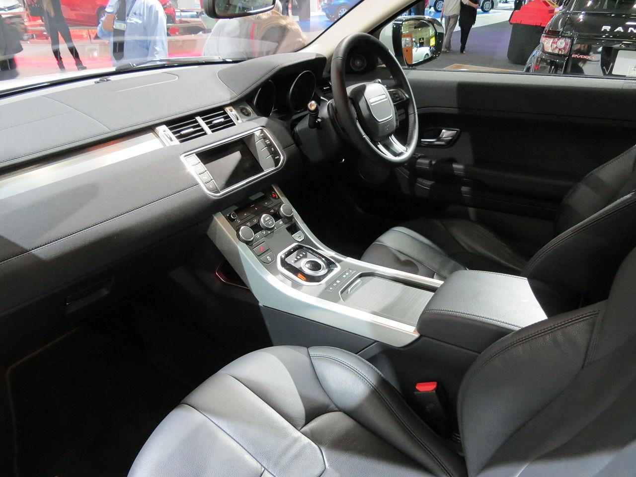 File:2012 Land Rover Range Rover Evoque (L538 12MY) Si4 Pure