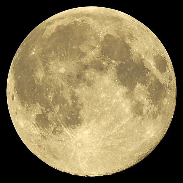 File:2014-08-10, full Moon near perigee.jpg