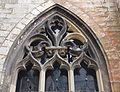 2016-Maastricht, St-Servaasbasiliek, Pandhof, westelijke kloostergang, raam 8a.jpg