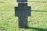 2017-09-28 GuentherZ Wien11 Zentralfriedhof Gruppe97 Soldatenfriedhof Wien (Zweiter Weltkrieg) (010).jpg