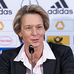 2018-11-30 DFB presentation of the new head coach of the National Womens Team StP 6898 LR10 by Stepro.jpg