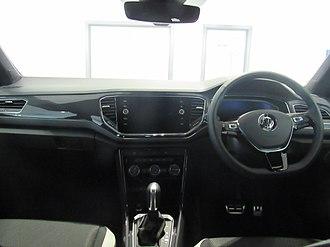 Volkswagen T-Roc - Image: 2018 Volkswagen T Roc Interior