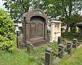 20190521250DR Dresden-Plauen Alter Annenfriedhof Gräber Klose + Schulz.jpg