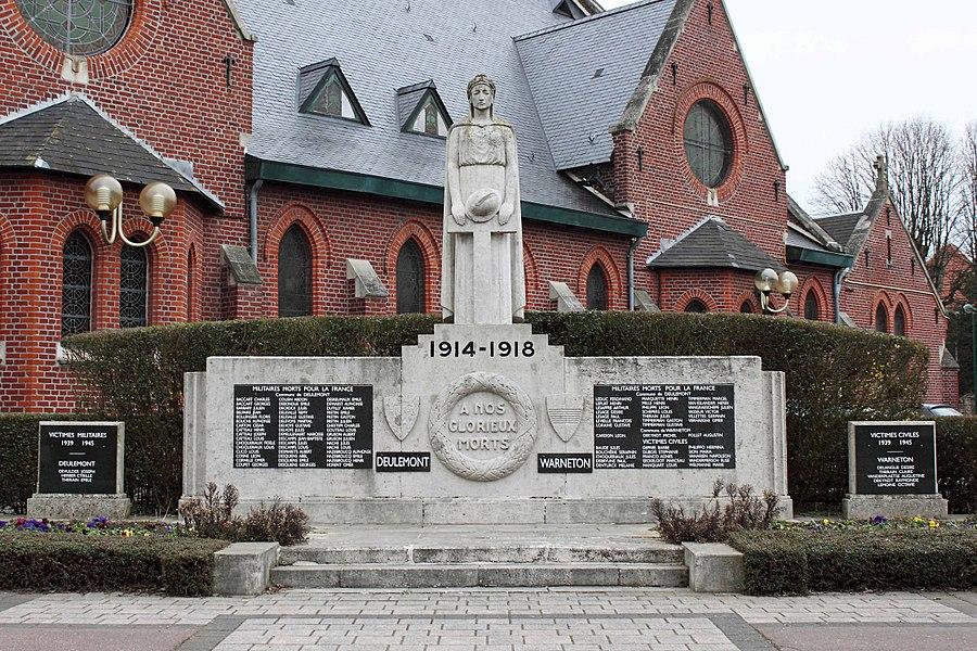 Monument aux Morts - Chevet de l'église Saint-Symphorien, place Louis Caro, 59 Deûlémont