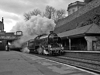 Mossley railway station - Image: 777 SIR LAMIEL passes Mossley station