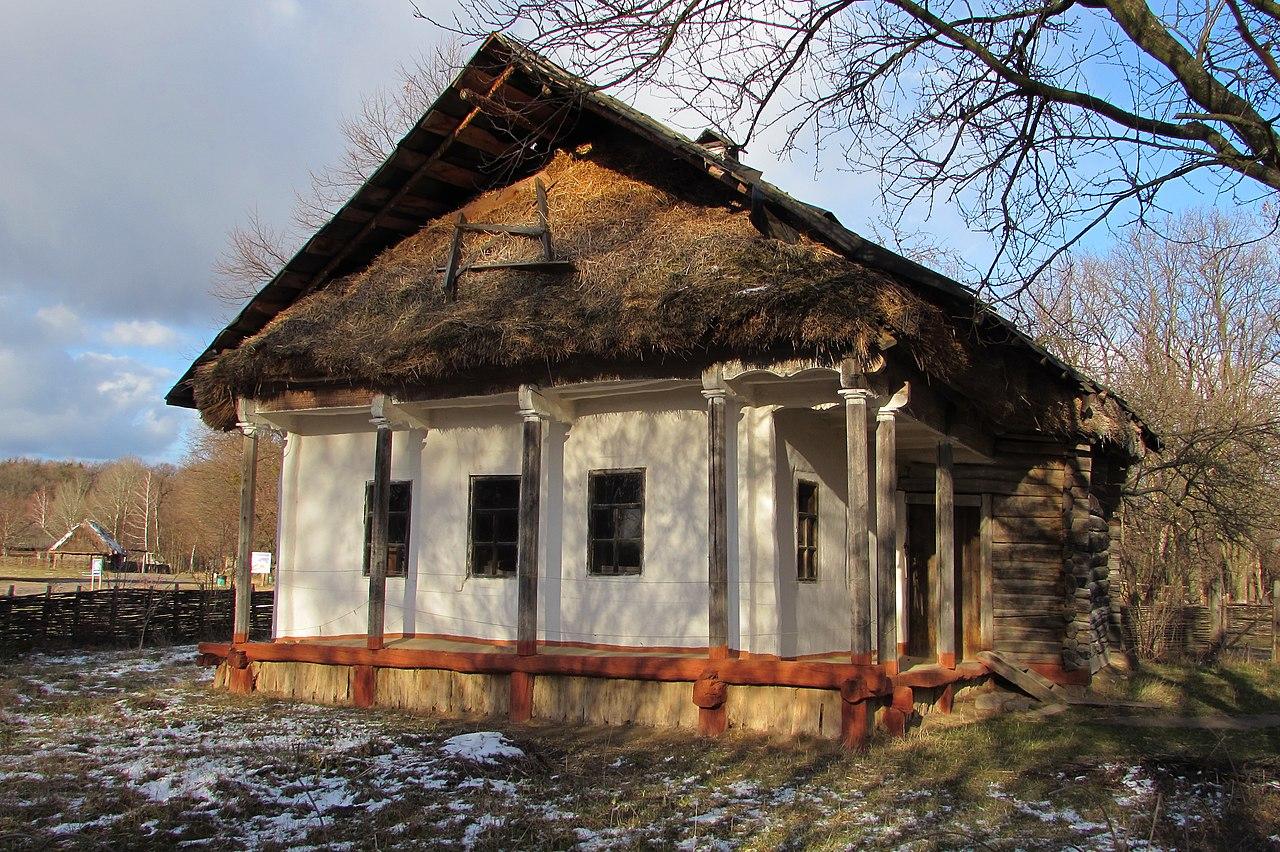 Хата з Луганщини в Пирогові