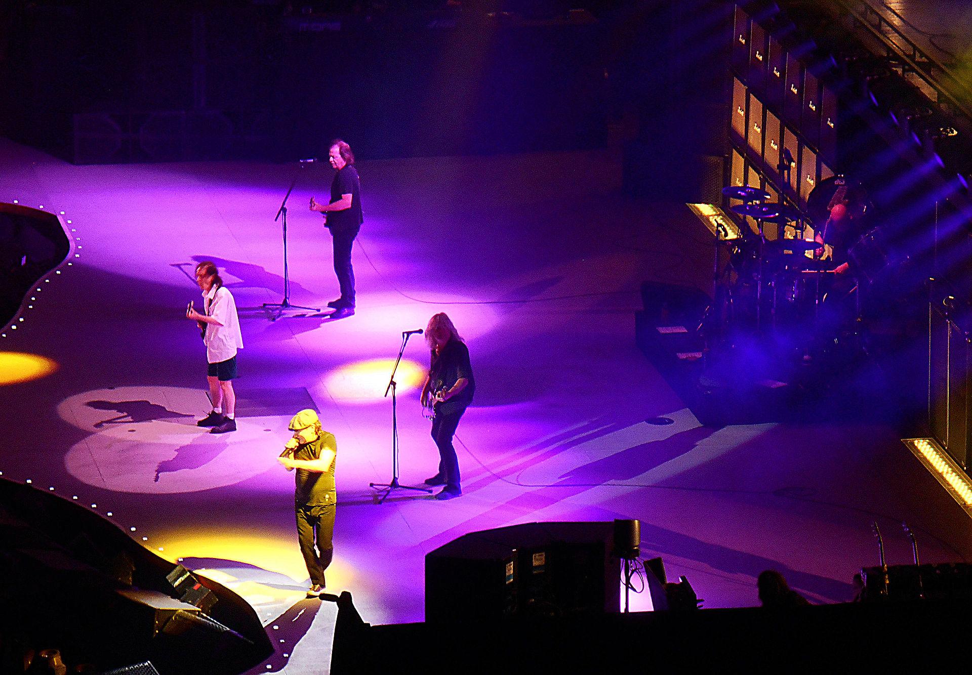 Slade Tour Dates