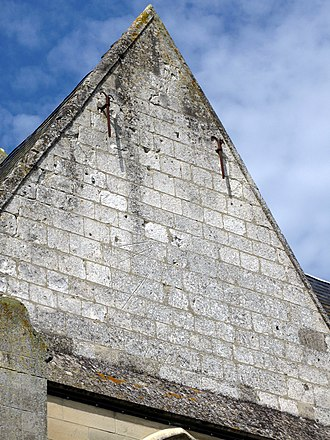 Ailly-le-Haut-Clocher - The fading sundial