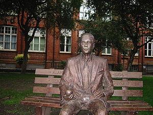Alan Turing Memorial - Image: Alan Turing Memorial Alan with the apple