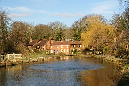 Along the Itchen Navigation, Winchester - geograph.org.uk - 1736978