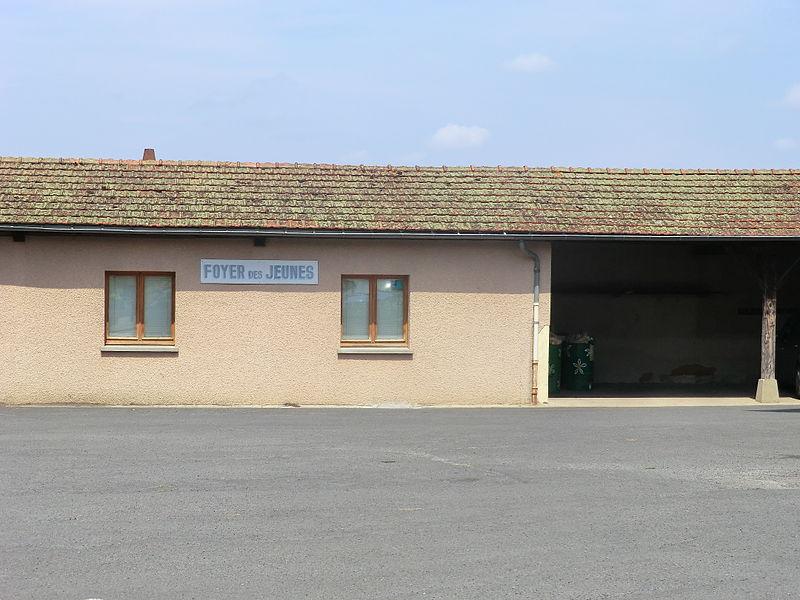 Ancienne maison des jeunes de Saint-Didier-de-Formans.