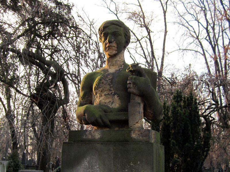 File:Antonín Brůha grave.jpg