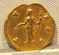 Antonino pio, aureo per faustina maggiore divinizzata, post 141, 06.JPG