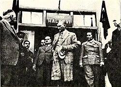 Atatürk Pertek Halkevi'nde (1937).jpg