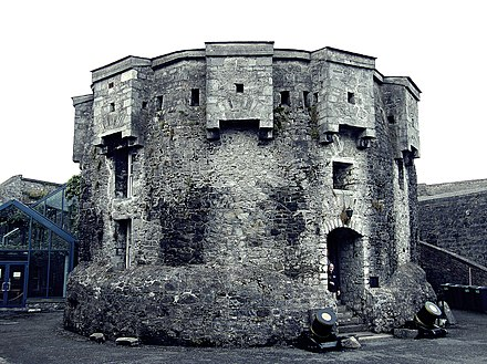 Part of the fortifications at Athlone Castle, built on John de Gray's orders Athlone Castle, 2008.jpg