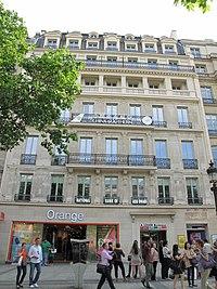 Avenue des Champs-Elysees, 125.jpg
