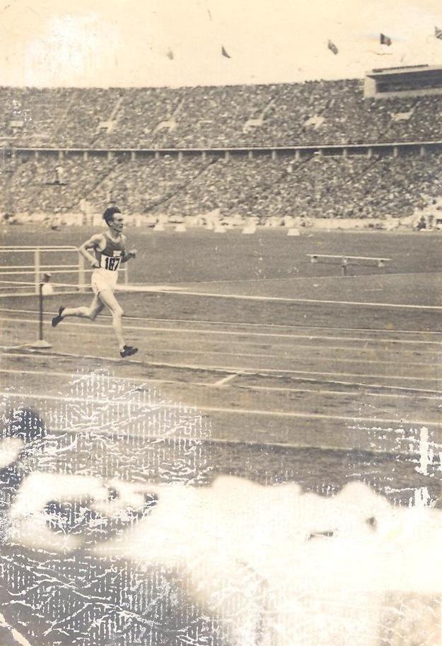 BASA-3K-15-385-4-Volmari Iso-Hollo, 1936 Summer Olympics.jpeg