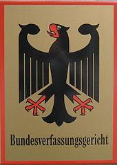 Behördentafel Bundesverfassungsgericht in Karlsruhe - (C) Elkawe / CC-BY-SA-3.0 (via Wikimedia Commons