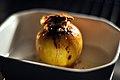 Bagt æble med kanel og marcipan (6936168241).jpg