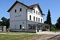 Bahnhof Stadl-Paura Aufnahmegebäude 2.JPG