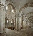 Basilique Sainte-Marie-Madeleine de Vézelay PM 46483.jpg